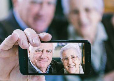 10 meilleurs Smartphones Seniors de 2020 ⇒ Comparatif